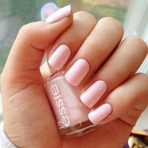 Essie Fiji pink nails - Trends & Style