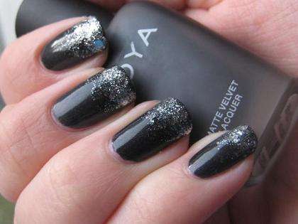 dark silver tips on dark gray nails