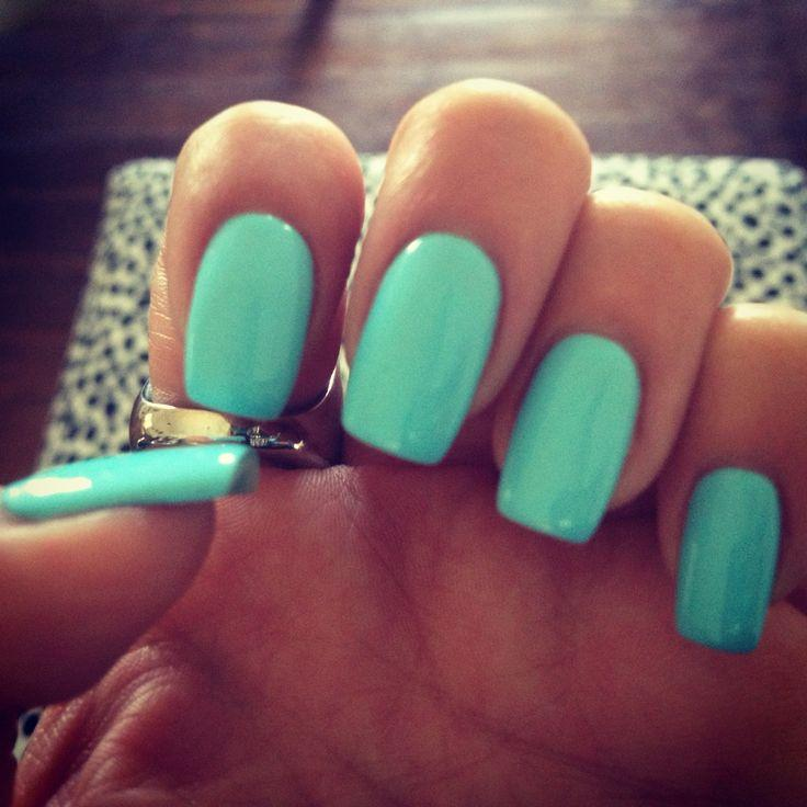 Glossy Mint Nails
