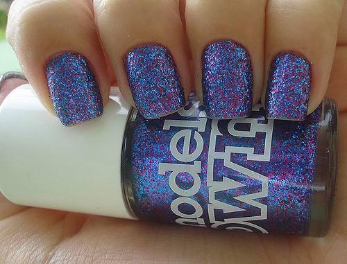 Blue hue sparkles.