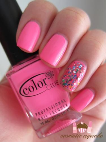 Bubblegum Glitter Manicure