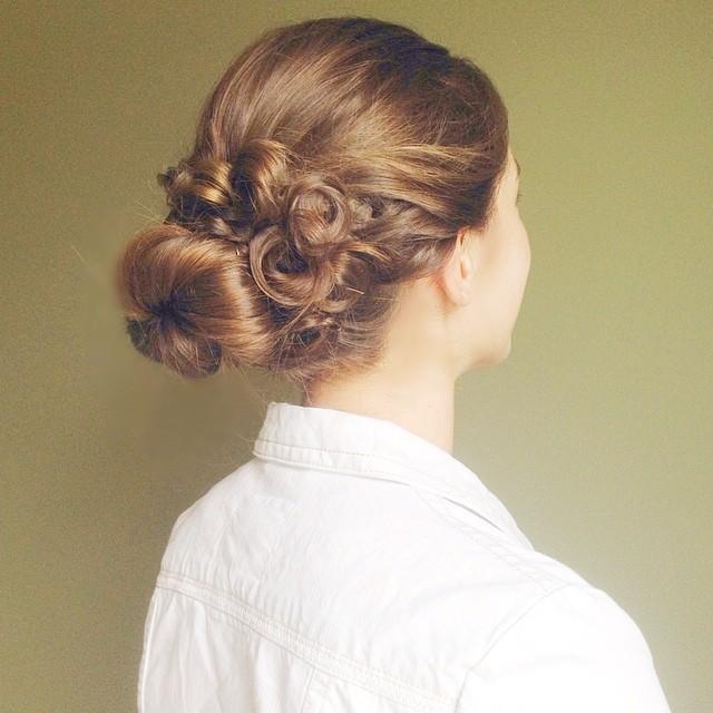 pin curl bun
