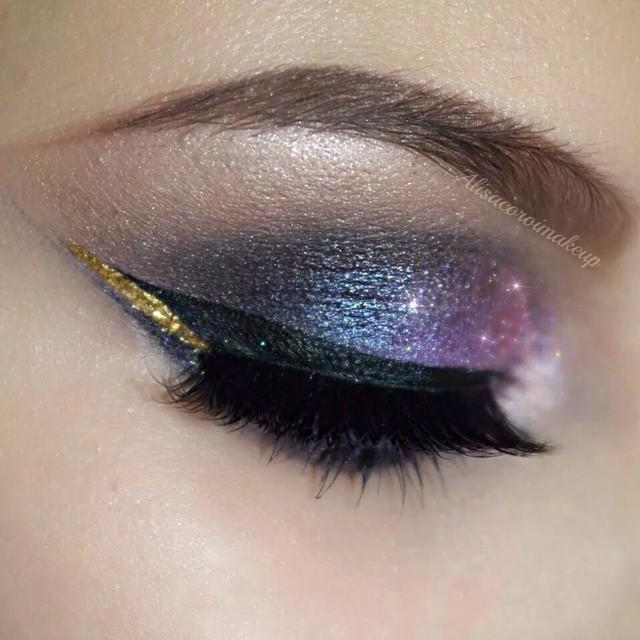 Galaxy Eye Look