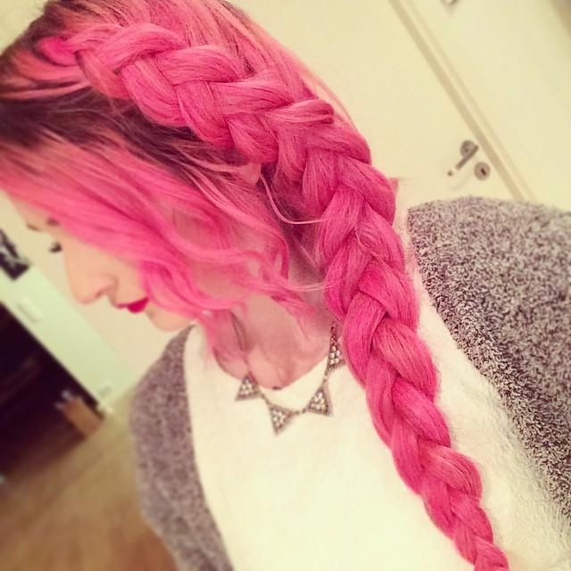pink braIDED HAIR