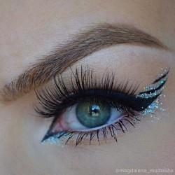 beautiful winged look