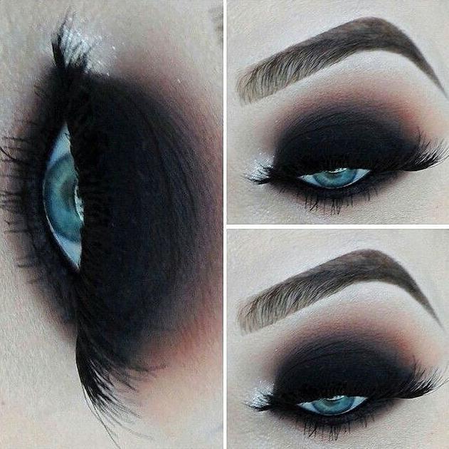 Dark Black Smokey Eyes