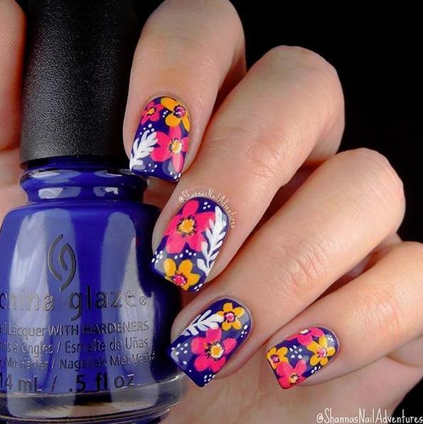 Трендовый дизайн ногтей тропический